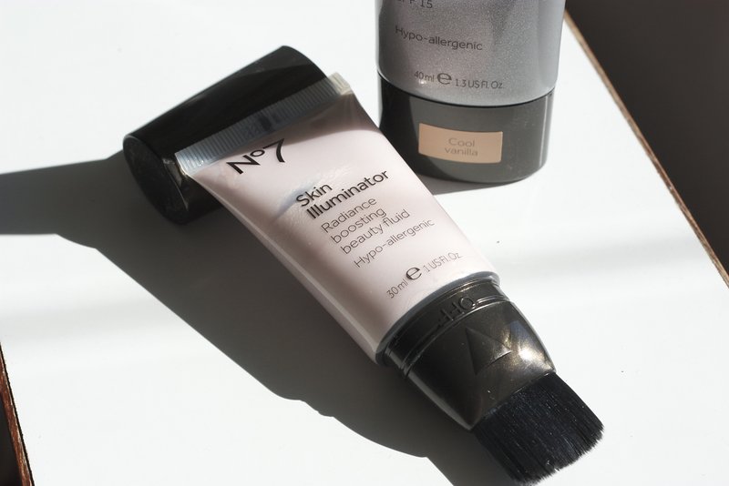 No7 Essentially Natural Foundation